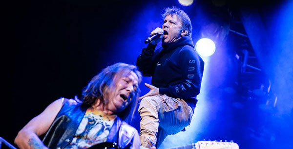 Zpěvák Iron Maiden Bruce Dickinson